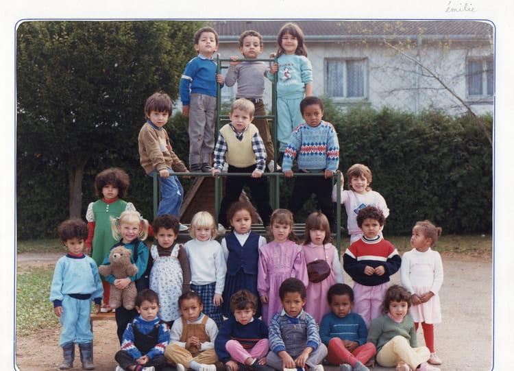 photo de classe maternelle de 1987 ecole le chanois saint loup sur semouse copains d 39 avant. Black Bedroom Furniture Sets. Home Design Ideas