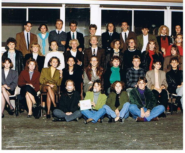 photo de classe ts1 ci de 1989 lyc e edouard gand copains d 39 avant. Black Bedroom Furniture Sets. Home Design Ideas