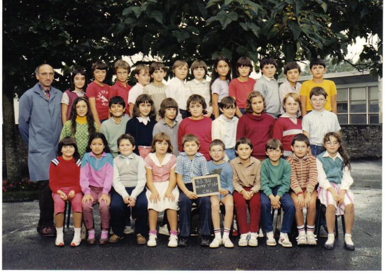 photo de classe cm2 de 1983 ecole jean guillebaud neuvy saint sepulchre copains d 39 avant. Black Bedroom Furniture Sets. Home Design Ideas