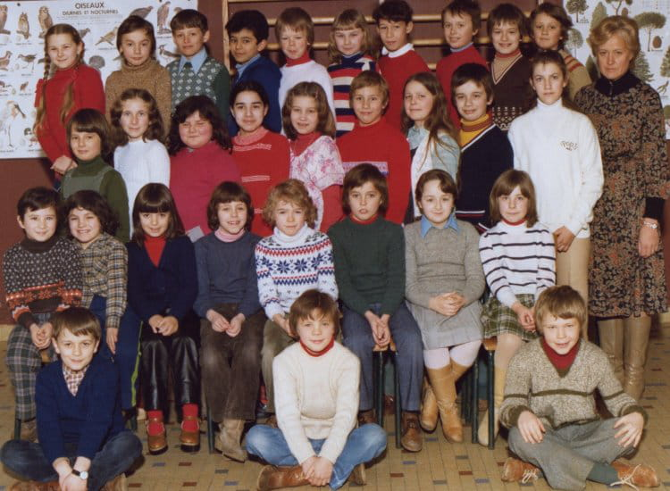 photo de classe ce2 de 1977 ecole jean moulin villers. Black Bedroom Furniture Sets. Home Design Ideas