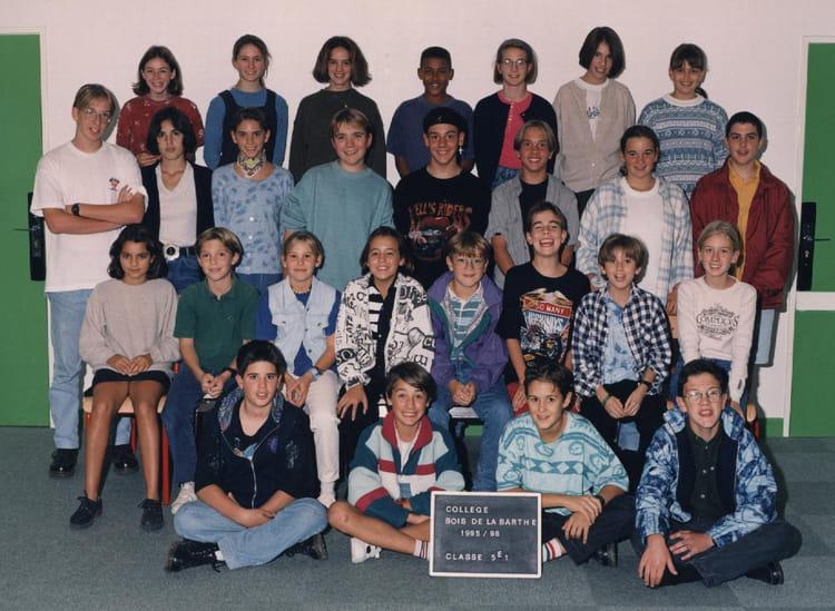 photo de classe 5 1 de 1996 coll ge du bois de la barthe copains d 39 avant. Black Bedroom Furniture Sets. Home Design Ideas