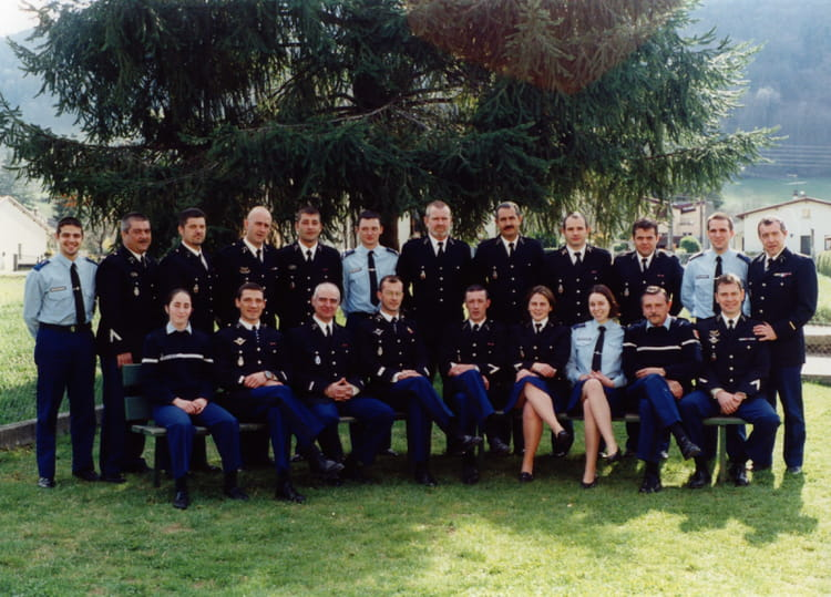 Photo de classe bt st girons 2002 de 2002 gendarmerie for La rotonde saint girons