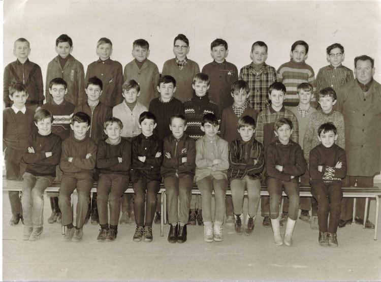 photo de classe cm 2 de 1967 ecole fort du bois lagny