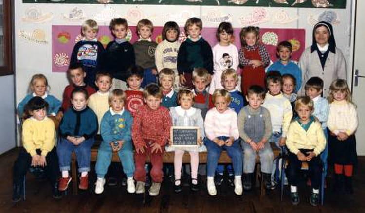 Photo de classe grande section de 1987 ecole notre dame - Piscine saint sauveur le vicomte ...
