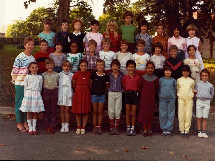 Photo De Classe Cm1 De 1983 Ecole Mairie Jassans Riottier