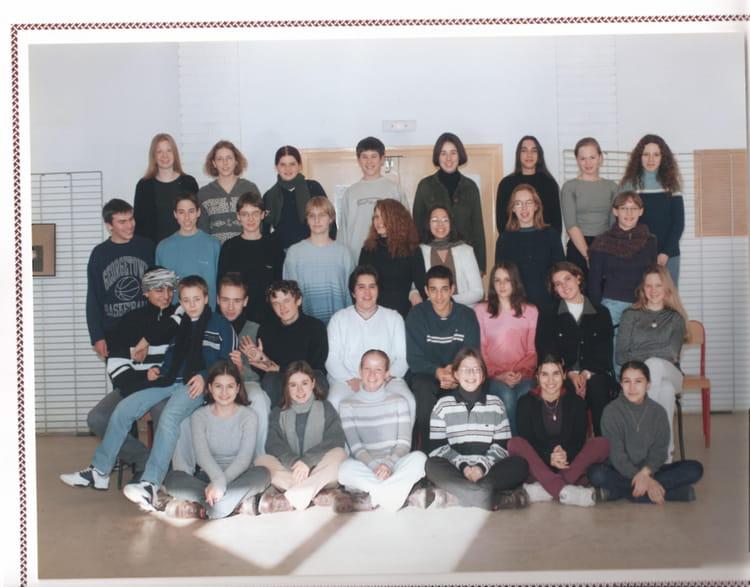 photo de classe 2nd de 1999 lyc e louis thuillier copains d 39 avant. Black Bedroom Furniture Sets. Home Design Ideas