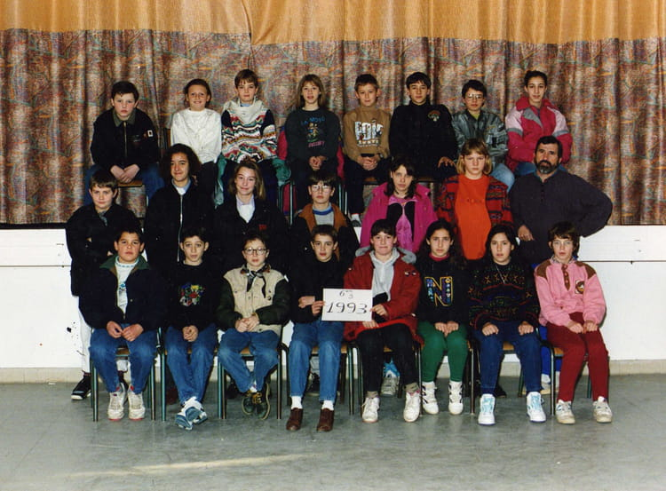 photo de classe 6 me3 de 1992 coll ge andr chamson copains d 39 avant. Black Bedroom Furniture Sets. Home Design Ideas