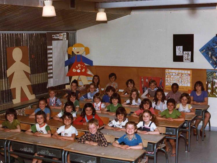 Photo de classe Cp de 1974, Ecole Jean Mace (Sainte Genevieve Des Bois) Copains d'avant # Auto Ecole Sainte Genevieve Des Bois