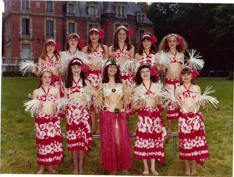 Photo de classe CM2 de 1979, Ecole Notre Dame (La Ville Du Bois) Copains d'avant # Ecole Notre Dame La Ville Du Bois
