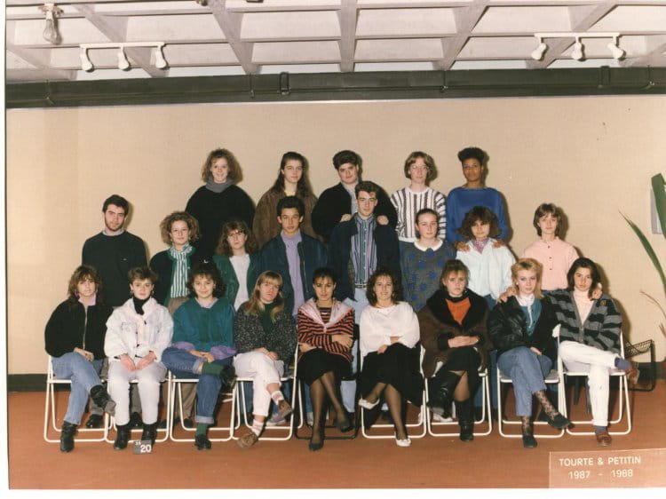 photo de classe 1er bt tourisme de 1987 lyc e albert einstein copains d 39 avant. Black Bedroom Furniture Sets. Home Design Ideas