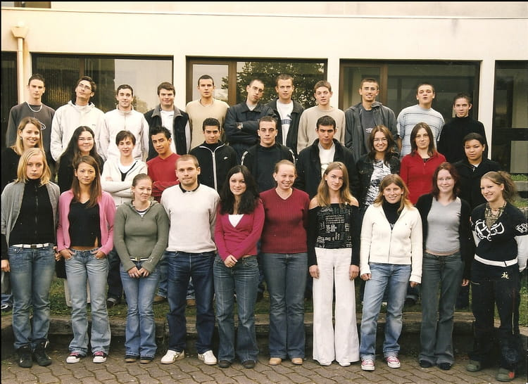 photo de classe terminal acc de 2004 lyc 233 e jean baptiste de la salle copains d avant