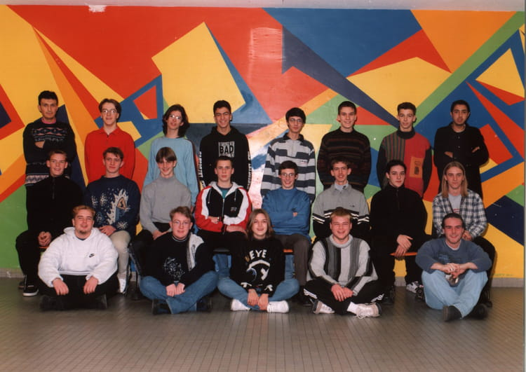 photo de classe ts2 de 1999 lyc e charles jully copains d 39 avant. Black Bedroom Furniture Sets. Home Design Ideas