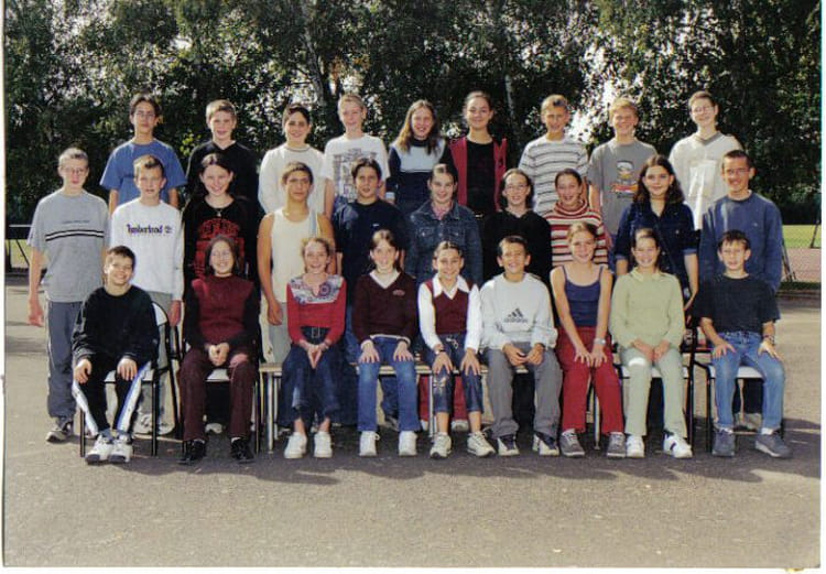 Photo De Classe 5 176 A College Henri Lefeuvre Arnage 72230 De