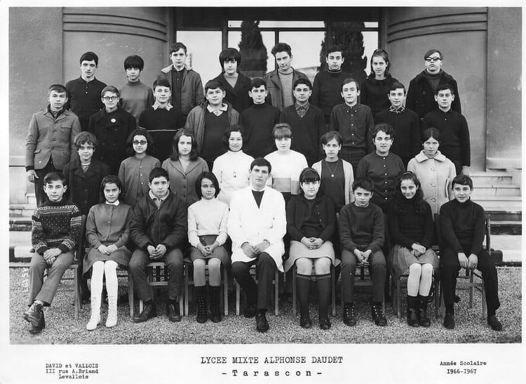 Photo de classe lyc e daudet tarascon de 1966 lyc e for Lycee alphonse daudet