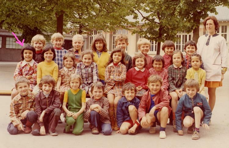 photo de classe cp de 1973 ecole jules lenormand saint jean de la ruelle copains d 39 avant. Black Bedroom Furniture Sets. Home Design Ideas