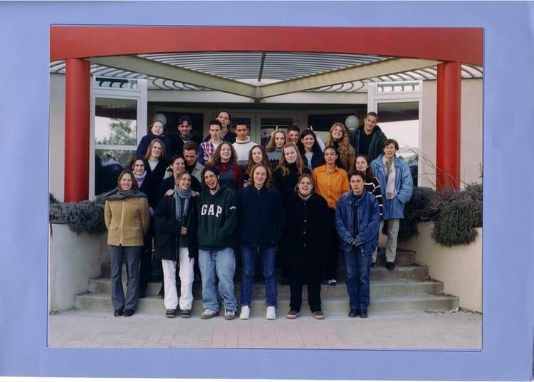 Photo de classe terminale l cin ma audiovisuelle de 2000 for Architecte lunel