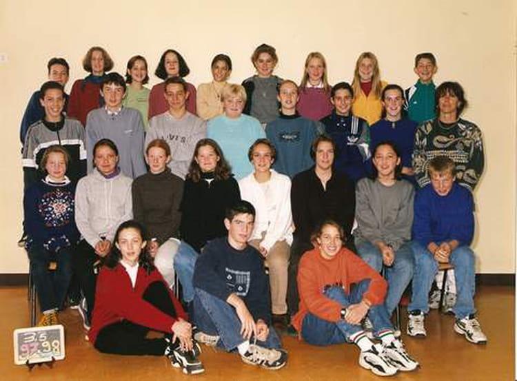 photo de classe 3e5 de 1997 coll ge l 39 oiseau blanc copains d 39 avant. Black Bedroom Furniture Sets. Home Design Ideas