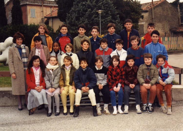 Photo de classe 6 9 1984 1985 de 1984 saint come for Ecole militaire salon de provence
