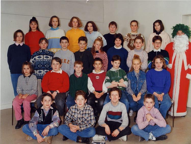 Photo De Classe 6 Eme Art Plastique De 1993 College Trois Fontaines Copains D Avant