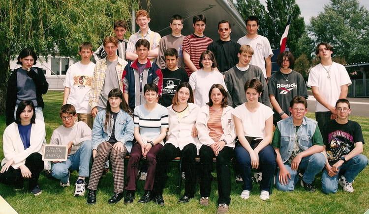 Photo De Classe Tonnay Charente 3 C De 1997 College Joliot