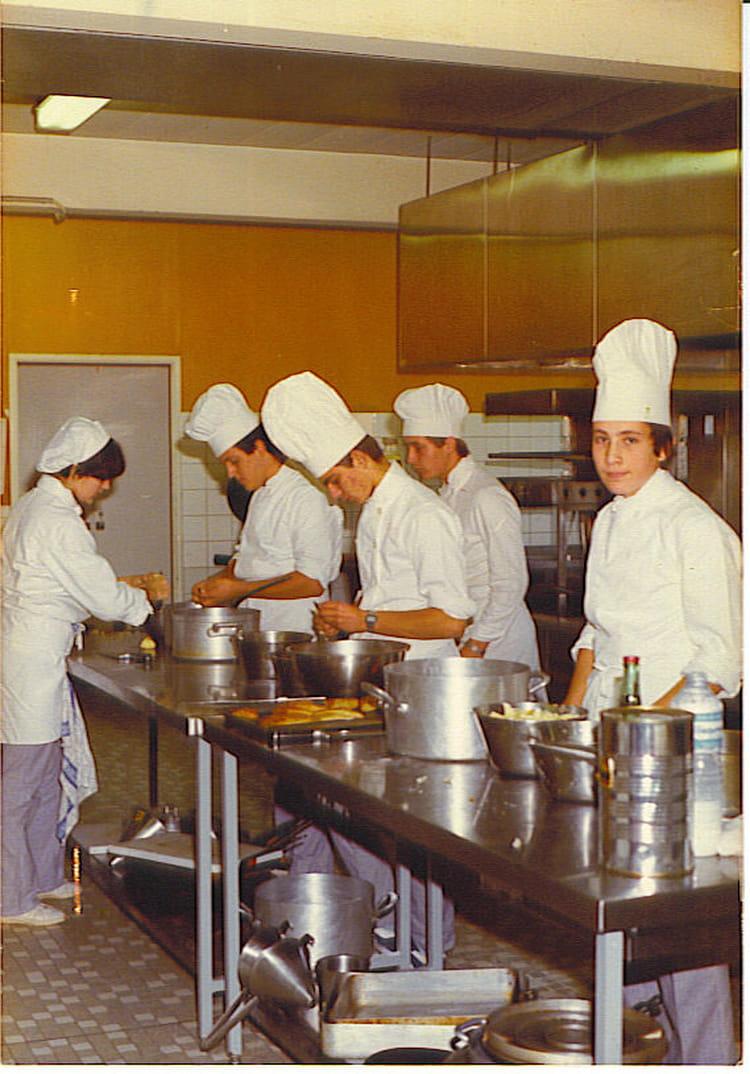 Photo De Classe 2eme Annee Cuisine De 1984 Lycee Professionnel